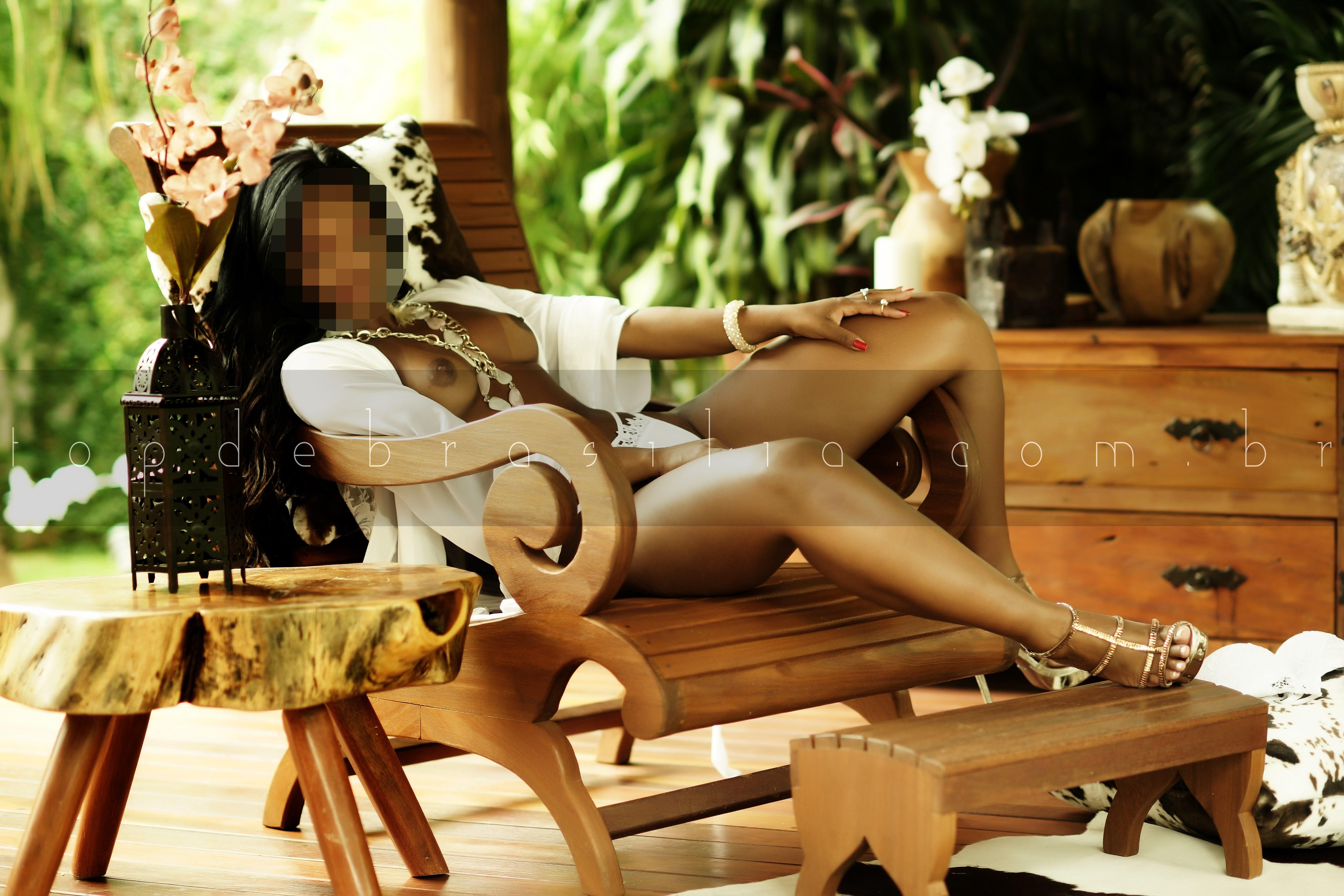 Kamilly Negra :: Acompanhante Brasilia (61)99304-9059