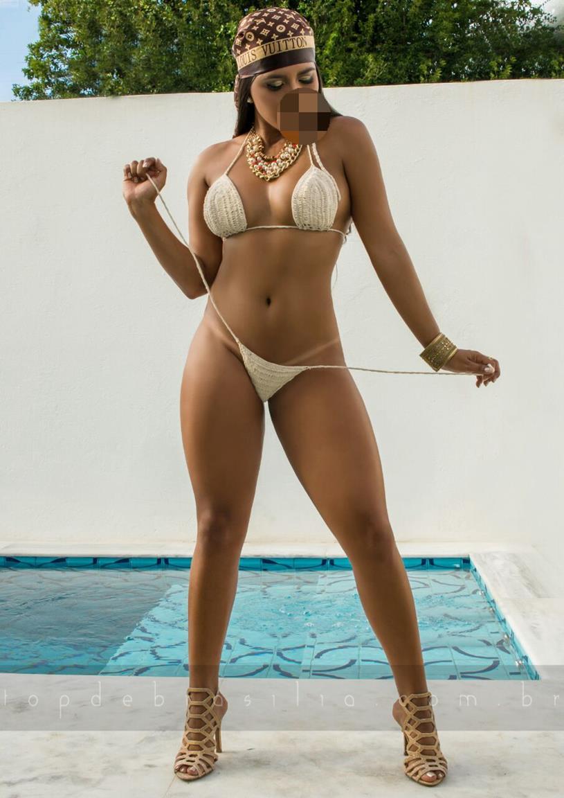 Selena Massoterapeuta :: Acompanhante Brasilia (61) 98261-6742